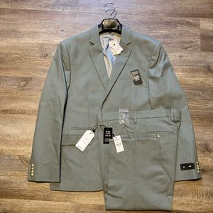 NWT Express Slim Suit Olive Green 40S 31x30